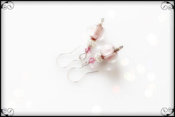 Kolczyki z rózowych szkiełek