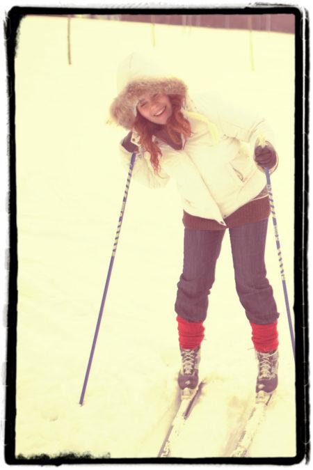 Strój dnia na narty? Jak się chce można nawet z zwykłych jeansach, tylko odpuśćcie sobie taką grubę kurtkę jak ja :)