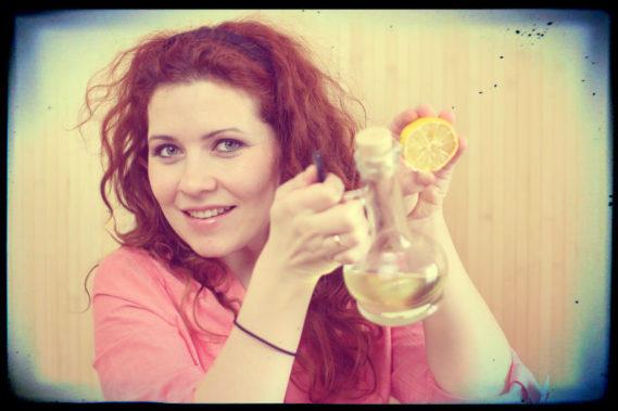 Naturalne kosmetyki? Tak czy nie? Tutaj mam oliwę i cytrynę dwa składniki mojego ulubionego peelingu cukrowego :)
