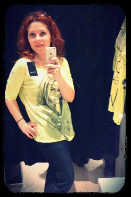 Fotka z przymierzalni haha i moja cytrynowa koszula