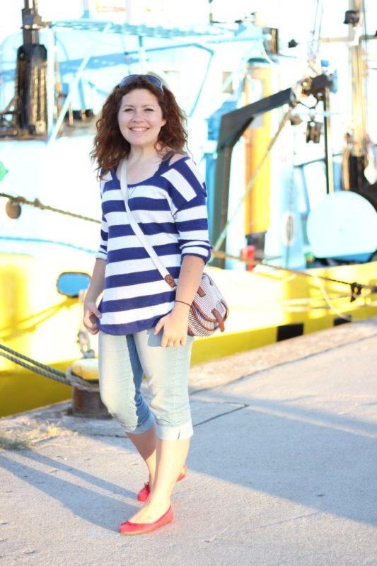 Uwielbiam chodzić do portów, zawsze podziwiam te małe kolorowe kutry i łódki