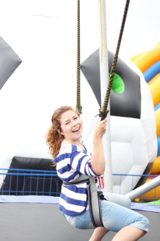 Odważyłam się skakać na tym skoczku, trampolinie. Dzieci robiły w górze fikołki a ja powstrzymywałam żółądek przed uczuciem windy... To chyba nie dla mnie :)