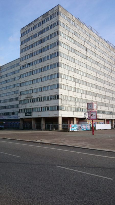 Pozostałość po NRD: budynek do wyburzenia w samym centrum Berlina