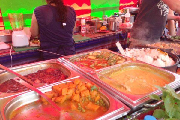 Jedno ze stoisk na Camden Market, tutaj o ile pamiętam kuchnia tajska