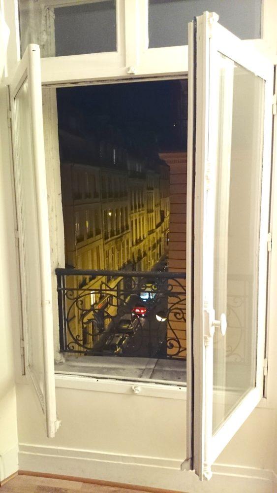 Paryż! To idok z okna naszego wynajmowanego mieszkania, cudownie!