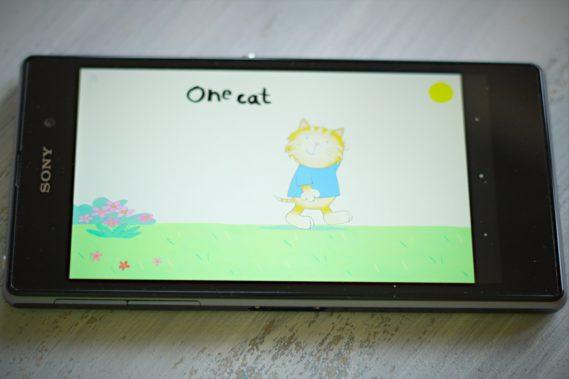 Sony Xperia Z1 z aplikacją Ollie The Cat