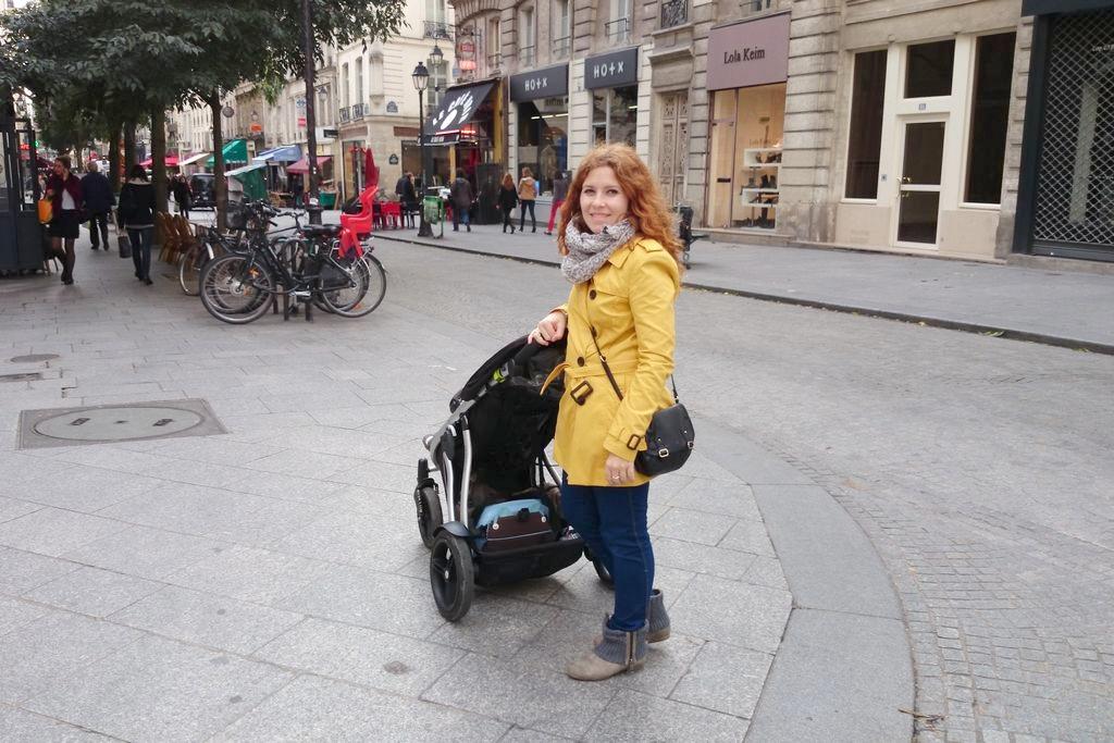 Paryż nieprzyjazny podróżom z dzieckiem