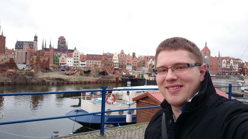 Michał się odgrażał, że zajrzy na molo w Sopocie, ale dzisiaj ma też swoje wystąpienie na BFG, więc chyba się nie rozdwoi :) Ale w Gdańsku jest i słitfocia też jest :D