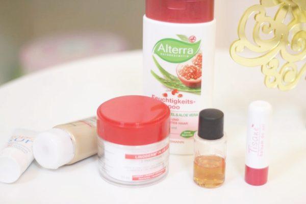 Oto moje ostatnie odkrycia, czyli szampon bez silikonu, oleje do włosów, ustowe pogotowie i cudowny krem dla dzieciaków