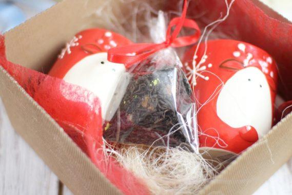 I naprawdę, jak już nie wiecie co, to dołóżcie do praktycznego prezentu np. kosmetyków coś zrobionego przez siebe np. herbaciana mieszankę.