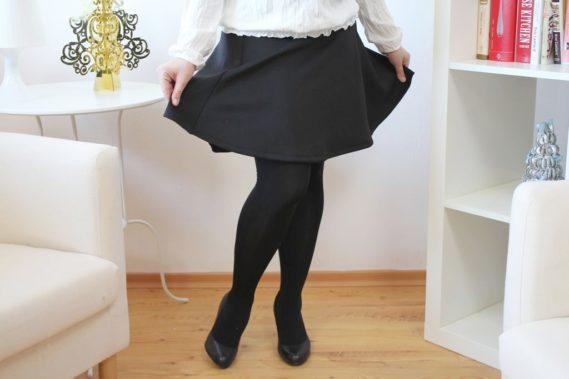 Moja ulubiona ostatnio czarna spódnica o dziewczęcym kroju