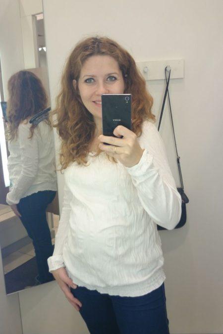 Za to do białych bluzek mam słabość, uwielbiam szczególne te, które nie wymagają prasowania :)