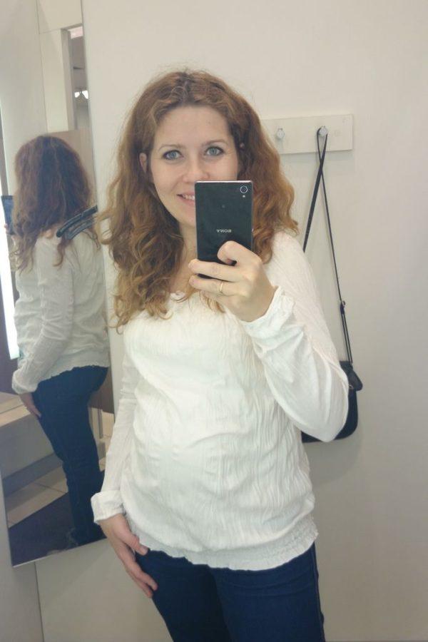 Za to do białych bluzek mam słabość, uwielbiam szczególne te, które nie wymagaja prasowania :)