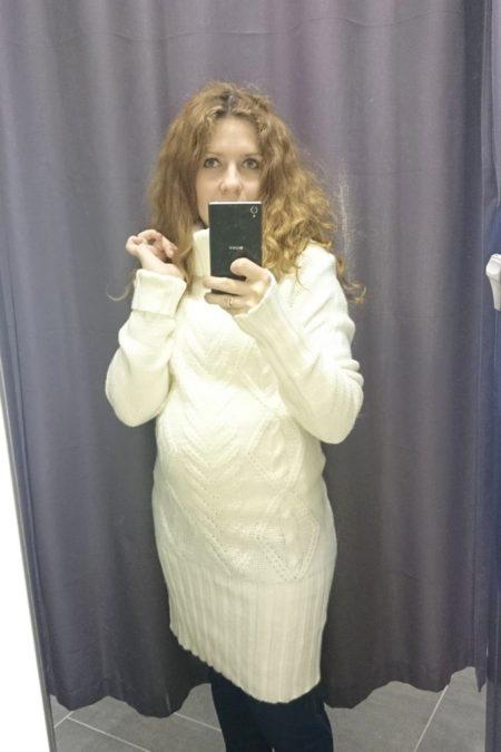 Mierzyłam też coś dla siebie, długi sweter podoba mi się głównie na wieszaku :) dla mnie jednak za długi, ale był mega ciepły haha