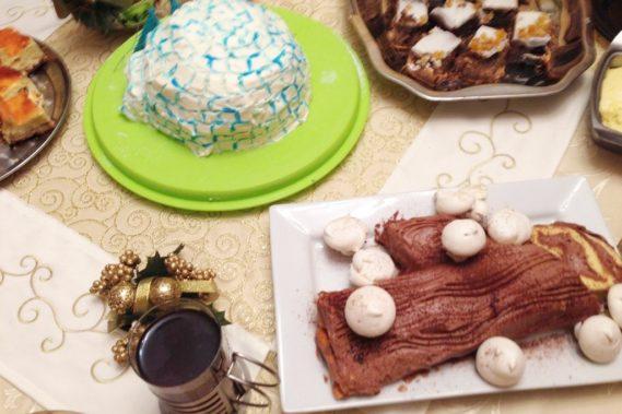 I ciasta na stole, rolada, iglo, makowiec mojego Taty, sernik Mamy, stefanka Mamy Michała, kluski z makiem