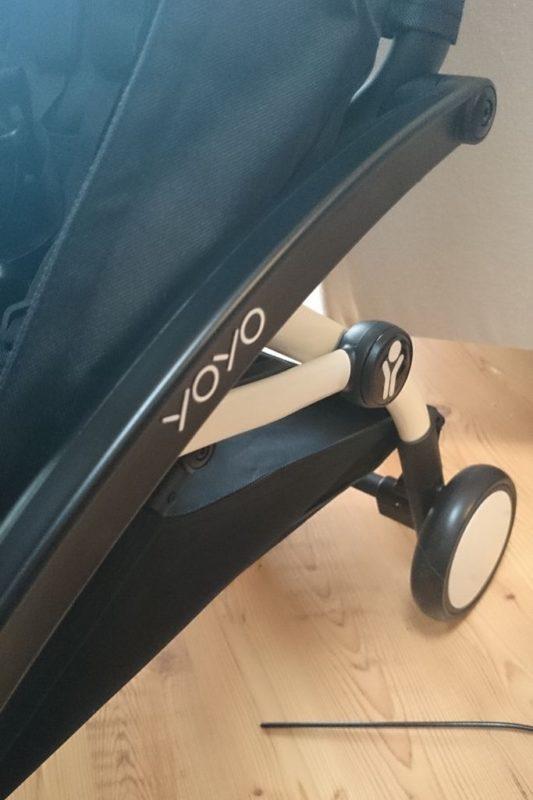 Mam też swój wymarzony najmniejszy wózek świata, czyli Babyzen Yoyo. Nie mogę dźwigać, a jednak często zabieram gdzieś ze sobą malucha, więc dla mnie to rozwiązanie idealne. A wózek rok po roku czeka na wiosnę :)