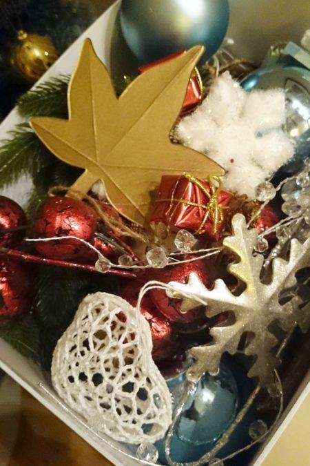 I ozdoby świąteczne do zdjęć... schowane :)