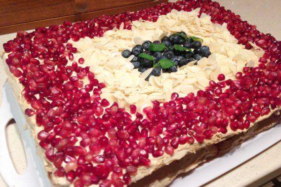 Tort bezowy mojej siostry ciotecznej :)