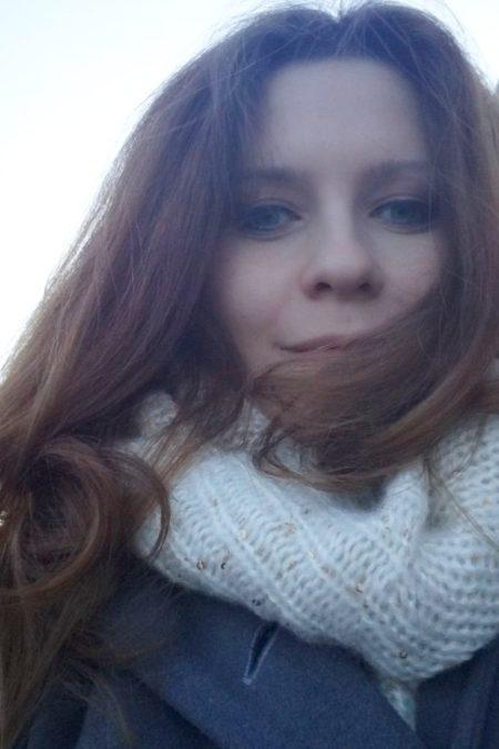 A tu moja nowa fryzura - ciemniej i prosto :)