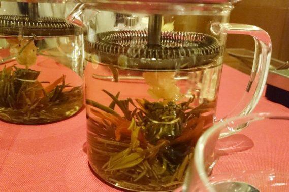 Na koniec herbata :) to ta co rozkwita