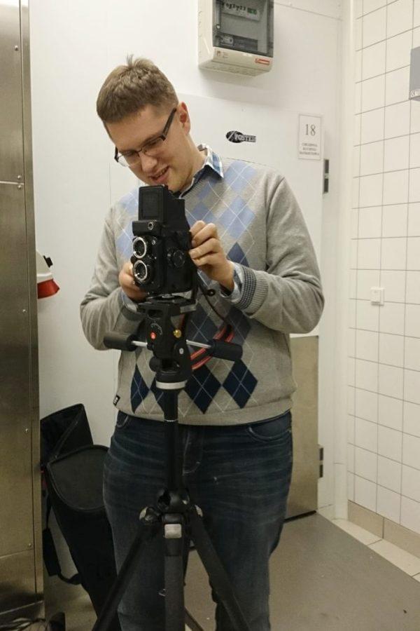 Michał robi zdjęcia analogiem :)