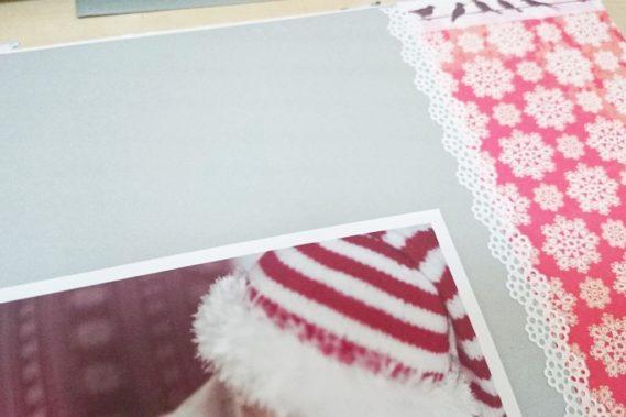 Wiedząc jakie zdjęcia chcę wkleić do albumu wybierałam takie dodatki. Zdjęcie świąteczne i bok w śnieżynki :)