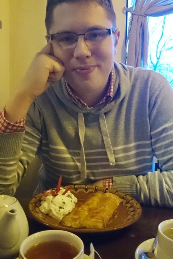 """Odwiedziliśmy też knajpę """"Mały Belgrad"""" serwującą kuchnię bałkańską. Michał na przystawkę zamówił ser w cieście filo, nie pamiętam w tej chwili nazwy, ale to było obłędnie smaczne!"""