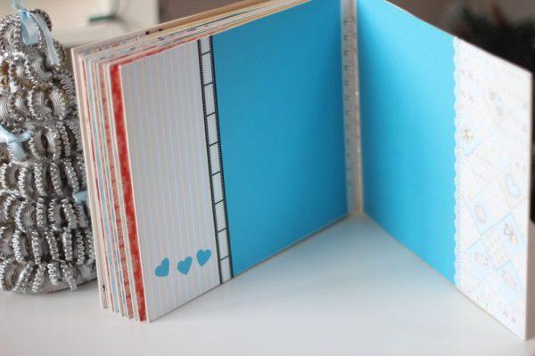 Po prawej stronie kartę docięłam koronkowym dziurkaczem – polecam fajnie się sprawdzają
