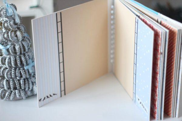 Jednolite żółte kart i dodatki niebieskie