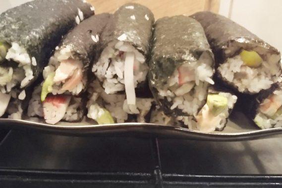 Za to na miejscu wspólnie robiliśmy sushi, uwielbiam takie spotkania