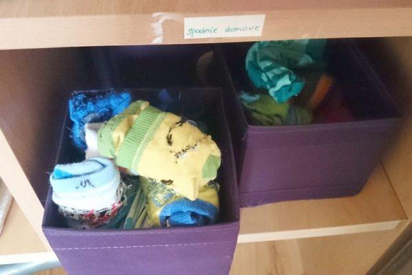 A na skarpetki i inne drobne rzeczy pudełka z ikei :)