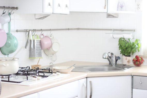 Muszę zrobić jeszcze zdjęcie z innej pespektywy, bo tutaj nie widać reszty kuchni, ale musicie wierzyć, że też jest biała :D