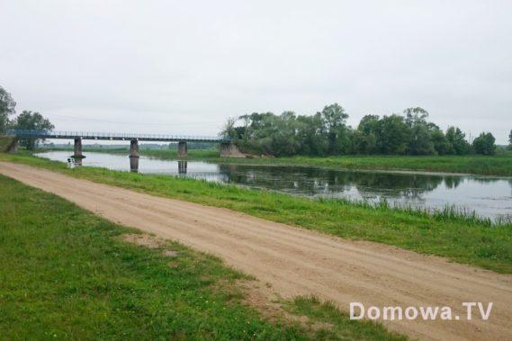 Goniądx i zejście nad wodę, zaraz przy moście