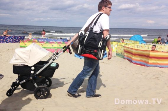 Ciągnięcie po plaży? Nie ma sprawy. Jeden wózek na ramie, drugi z rączkę i jedziemy :)