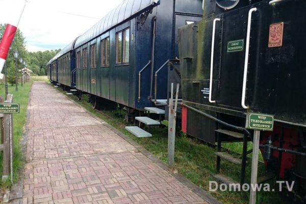 A tu przerobiona lokomotywa na hotel, ale nie takie wczasy kolejowe (choć to musi być bomba) tylko pokoje hotelowe w pociągu. Trochę żałuję, że jednak nie zobacyłam jakie są