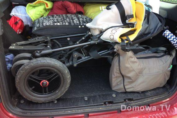 Bagażnik spakowany tak, by w razie potrzeby móc wyjąć wózek bez wywalania całej reszty :)