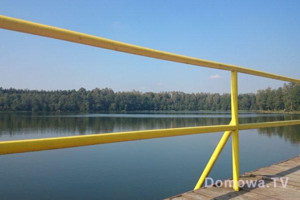 Piękne jezioro, małe, ale spokojne