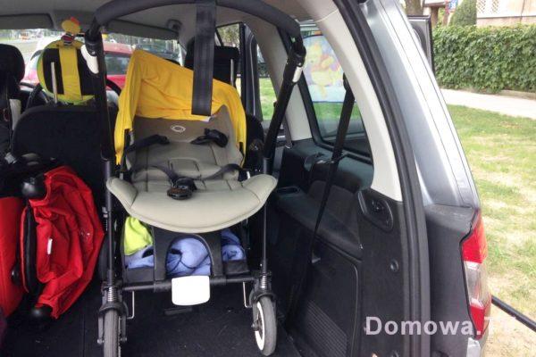 Mały wózek :D hahah, no spieszyłam się, więc po prostu wjechał do bagażnika :)