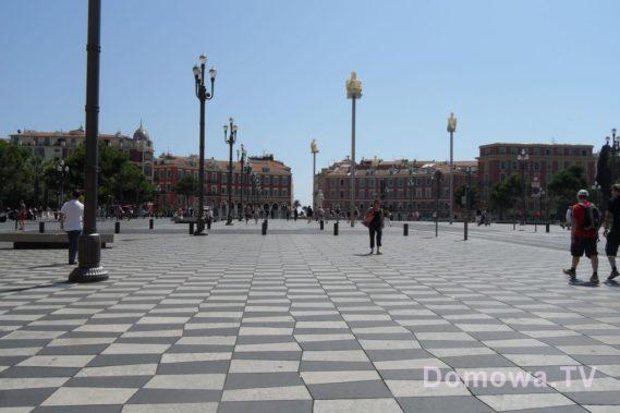 Główny plac w Nicei - hipnotyzujący