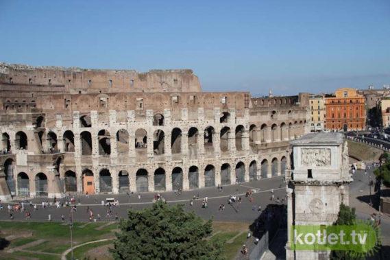Widok na Koloseum z Palatino