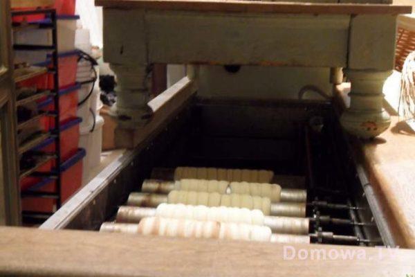 Przygotowanie trdlo, czyli takich drożdżowych wypieków na wałkach