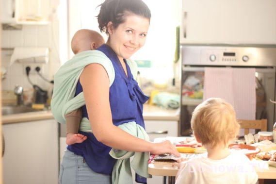 Ta opcja z miskami dla dwójki jest od niedawna, wcześniej często było tak :) jedyna zasada, której przestrzegam - w chuście nie korzystam z kuchenki.