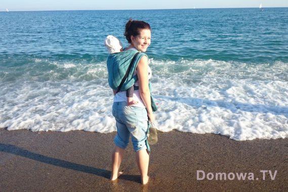 25. Jako, że do Barcelony wziełam tylko dwie chusty, to większość jest podobna :) ale wierzcie mi nie ma nic wygodniejszego na plaży niż chusta. I choć wózki Wam ciągle zachwalam, choć testuję, choć mówię, który po piachu pojedzie, to jednak chusta to chusta i nie ma mocnych