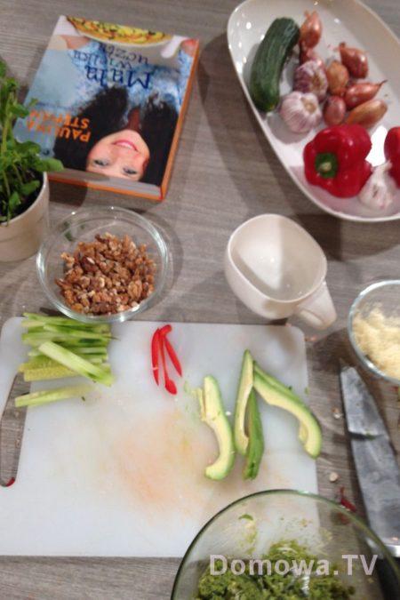 Kadr :) moja ksiązka i cały rozgardiasz... od kuchni