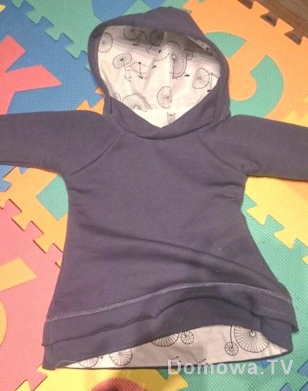 Bluza gruba, ciepła z dresówki drapanej, ale wykończona tkaniną bawełnianą (te fragmenty w rowery). Za zdjęcie dziękuję Karolinie Munar z mamuziaje.pl :)