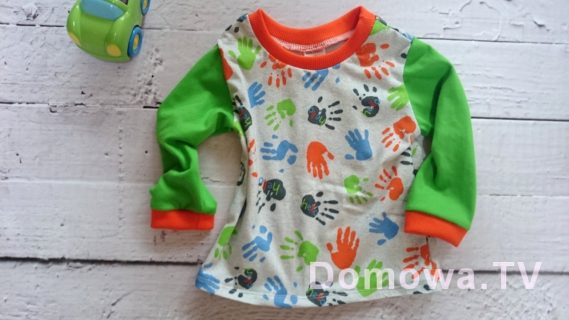 Bluzeczka w łapki, kolorowa