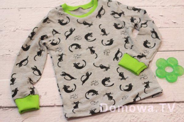 Bluzeczka w koty z limonkowym ściągaczem