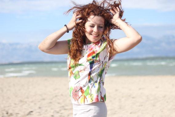 Na plaży, niesamowicie wiało