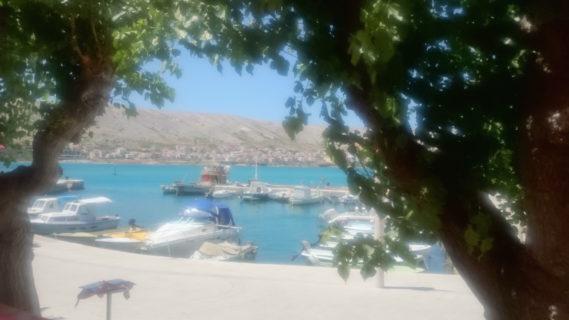 Taki widok z restauracji, gdzie jedliśmy przepyszne owoce morza, nadziewane kalmary, grillowane kalmary, o mniam!