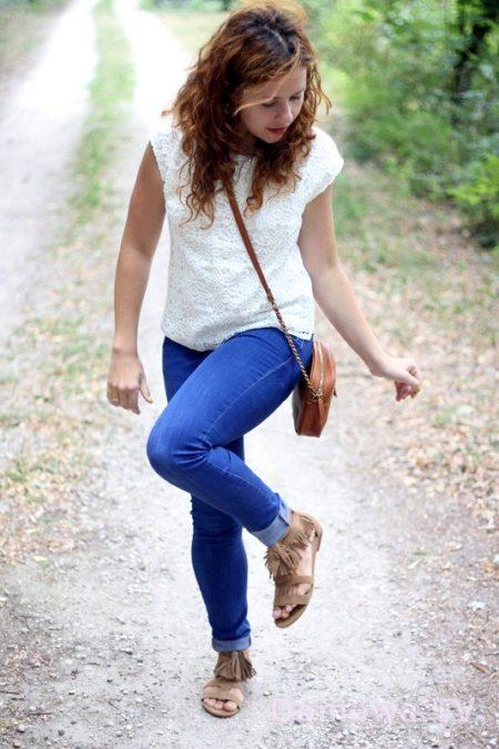 Bluzka z koronką, jeansy
